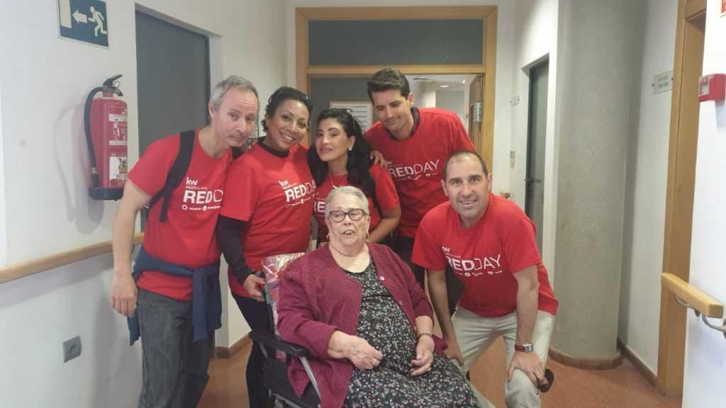 Foto 4 Compartiendo día con compañeros y compañeras de KW en centro de mayores de Aldaia y Quart de Poblet