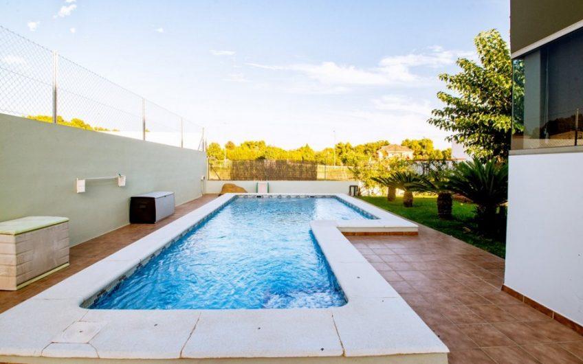 La vivienda con la que sueñas para ti y tu familia en la Pobla de Vallbona (Valencia)